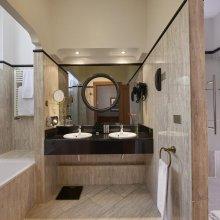 Baño de lujo y bañera